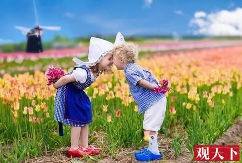 """如何成为世界上最幸福的孩子?荷兰儿童:""""从小看新闻!""""插图"""